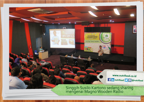 Singgih-Susilo-Kartono-sedang-sharing-mengenai-Magno-Wooden-Radio